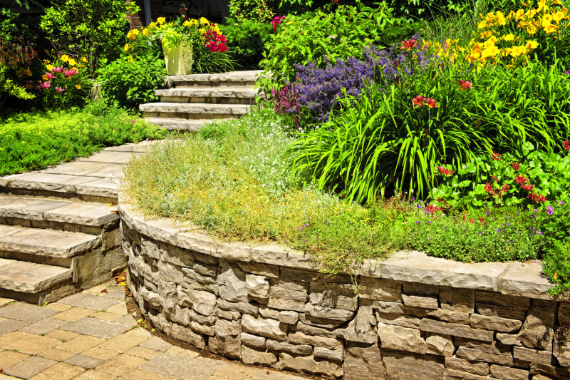 Amazing Natural Rock Landscaping Ideas : Natural Stone Landscaping And Rock  Retaining Wall