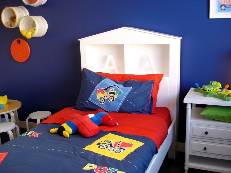 Depositphotos 6508977 m min e1431473268461 - Boy's Cool Bedroom Design Ideas