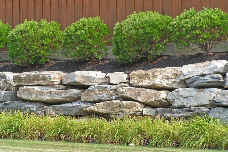Landscaping With Slate Rock : Low height slate rock retention wall for soil and plantings enabling