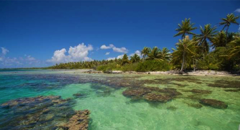 Ahe Atoll Mutu French Polynesia South Pacific e1433881610976 - Private Islands for Sale Under a Million Dollars