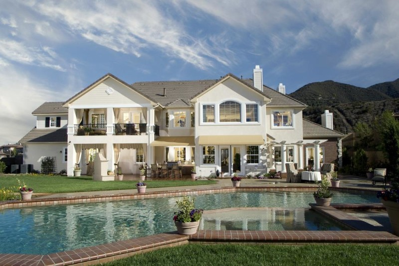 Beautiful Classic Home In Traditional Style And Materials With Large Swimming Pool Photo From Homestratosphere