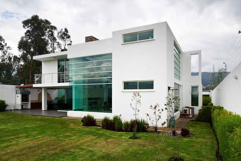 Beautiful modern homes and modern architectural house design for Big modern white house