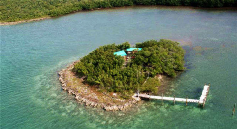 Charlies Island e1433873919945 - Private Islands for Sale Under a Million Dollars