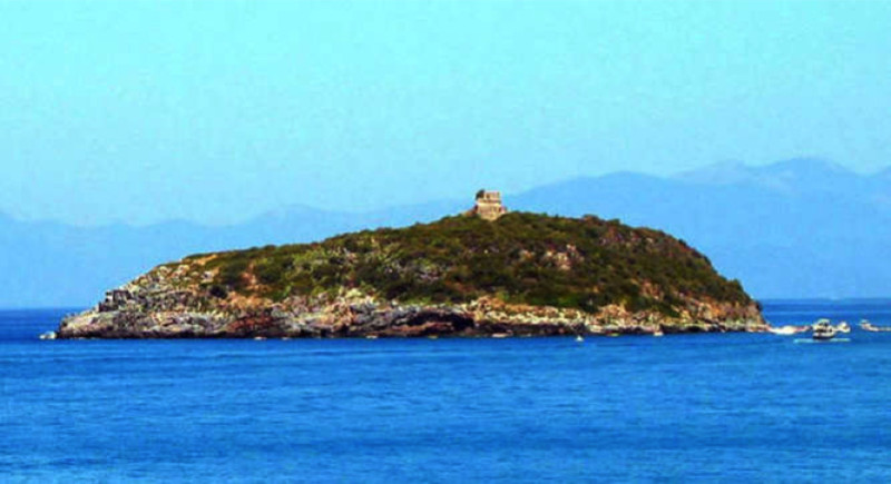 Cirella Island Italy e1433879395991 - Private Islands for Sale Under a Million Dollars