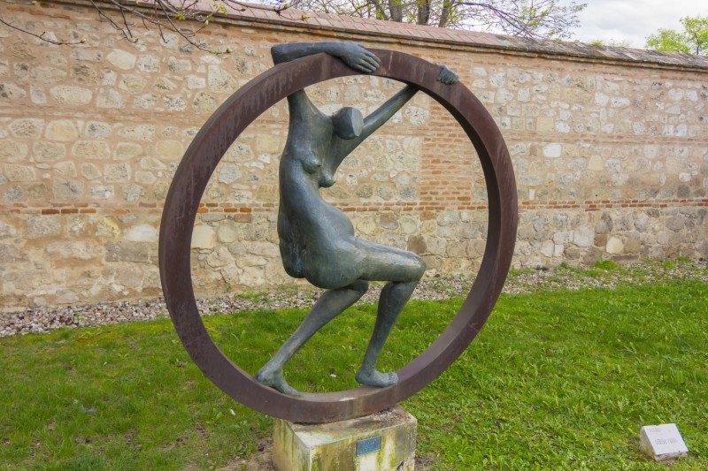 Depositphotos 51005585 M Min E1433297741762   Outdoor Sculptures And  Contemporary Garden Art