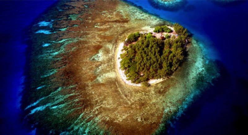 Diamond Cay Honduras e1433880419628 - Private Islands for Sale Under a Million Dollars