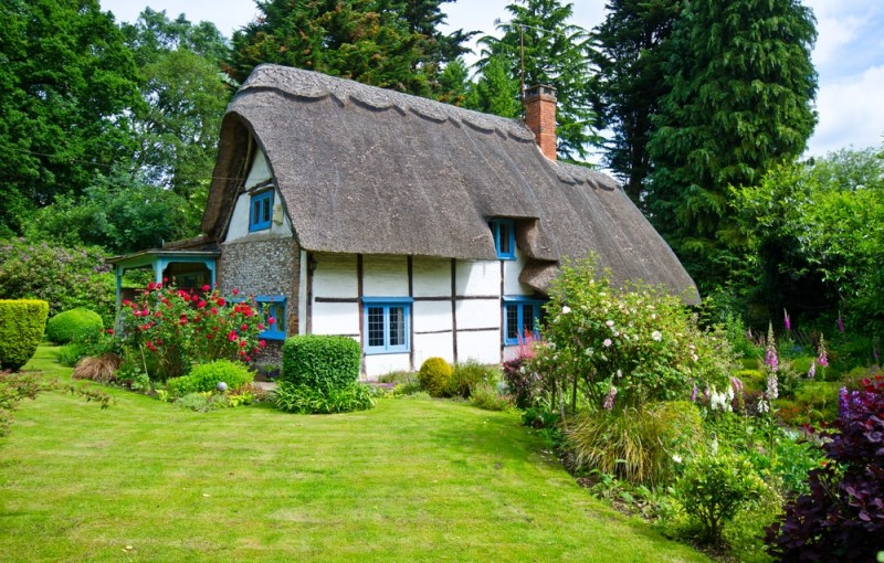Classic house design ideas traditional home design photos - English cottage ...