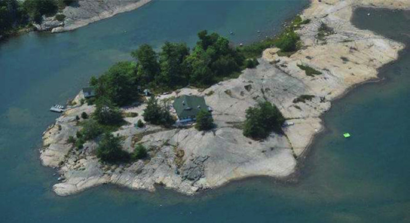Paradise Island Ontario Canada e1433879856650 - Private Islands for Sale Under a Million Dollars