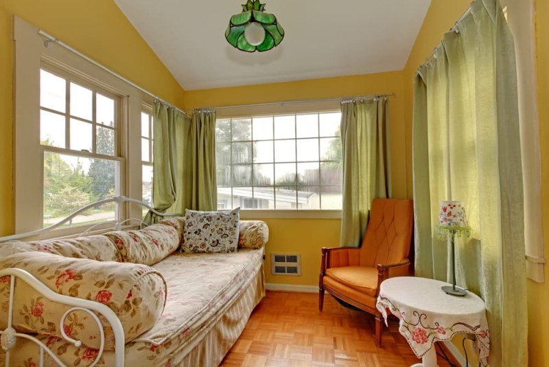 Small living room design ideas with a comfortable feel for Yellow green living room ideas