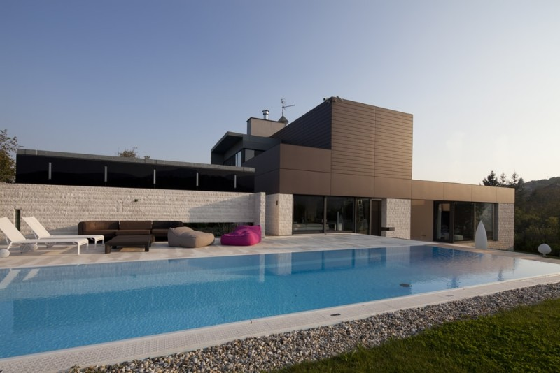 Stunning Modern House Design located Stunning Modern Minimalist House With Feature Infinity Pool