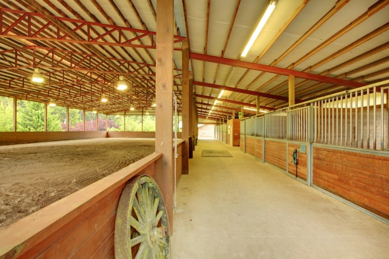 Large equestrian property with covered arena and horse stables
