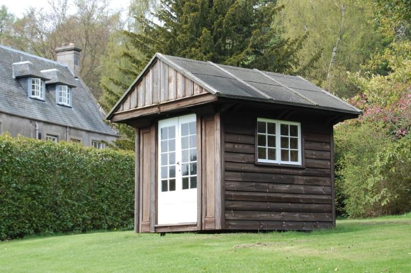 summerhouse min e1437631210532 - 29 Contemporary Garden Studios and Outdoor Garden Rooms