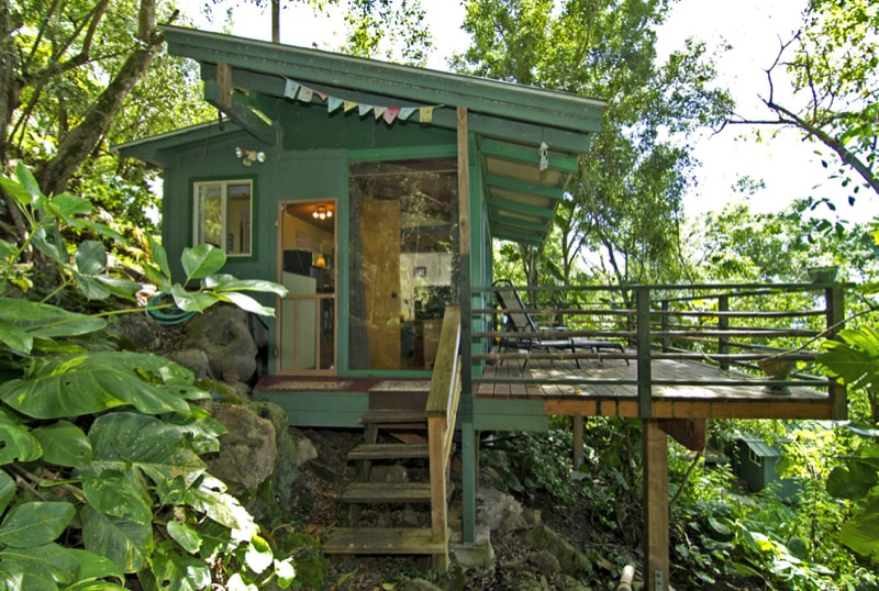 Captivating 250 Sq Ft Treehouse Featuring Full Size Bed Kitchenette Bathroom.Source Www. Countryliving.