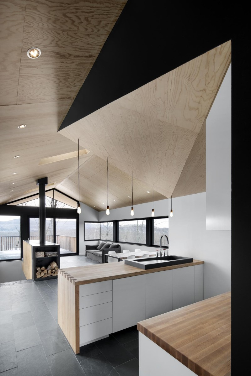 Bolton East Residence Quebec Canada By Naturehumaine