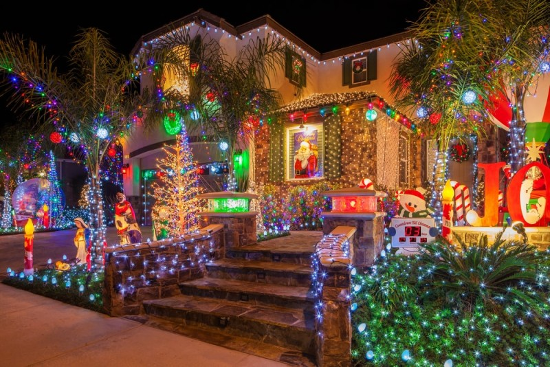 Big Exterior Christmas Lights 16 Ideas Enhancedhomes Org