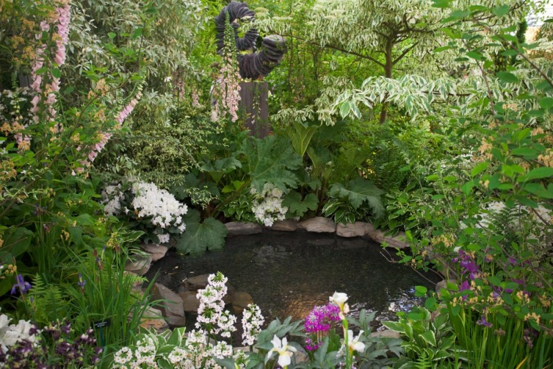 Garden landscape with pond min e1440358656708 - Backyard Pond Designs