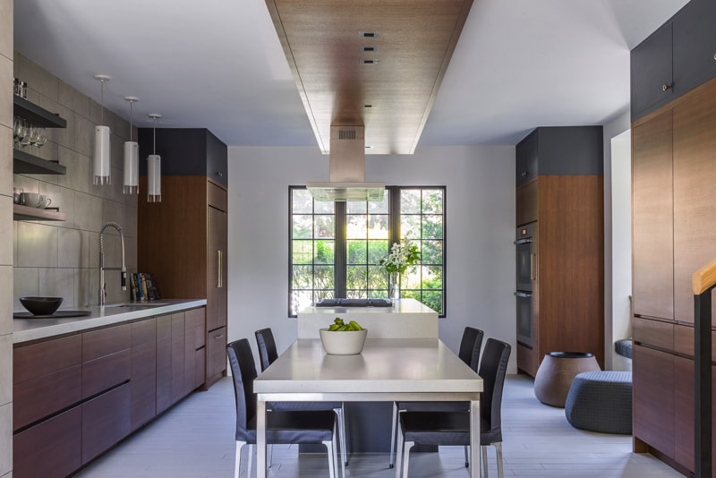 HACIN 38CLEMENT 0772 kitchen dining min - Newton Tudor Remodelling Project, Massachusetts by Hacin and Associates