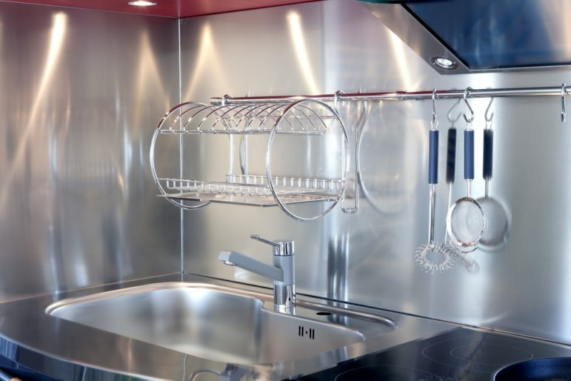 Kitchen silver sink and vitroceramic stove hob modern decoration min e1440204035174 - Striking Kitchen Backsplash Ideas & Pictures