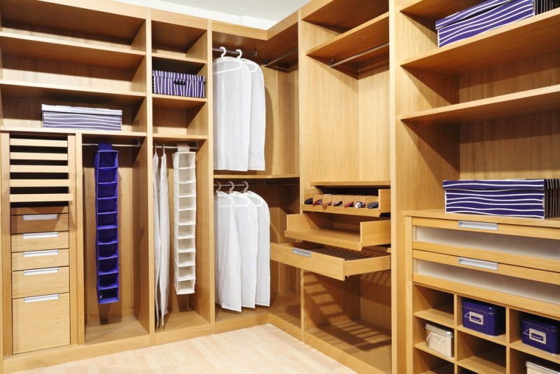 Beautiful walk in closets organizers made of classic wood design