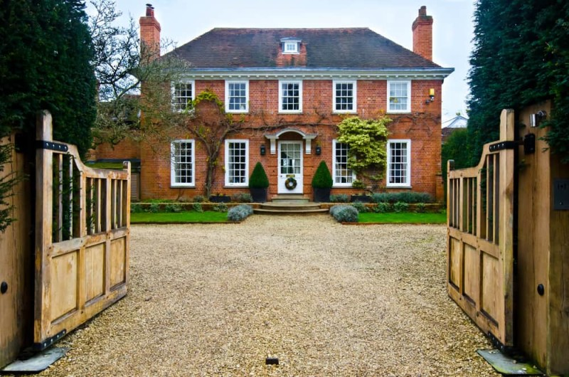 Terrific English Countryside Cottages And Houses Stand The Test Of Time Largest Home Design Picture Inspirations Pitcheantrous