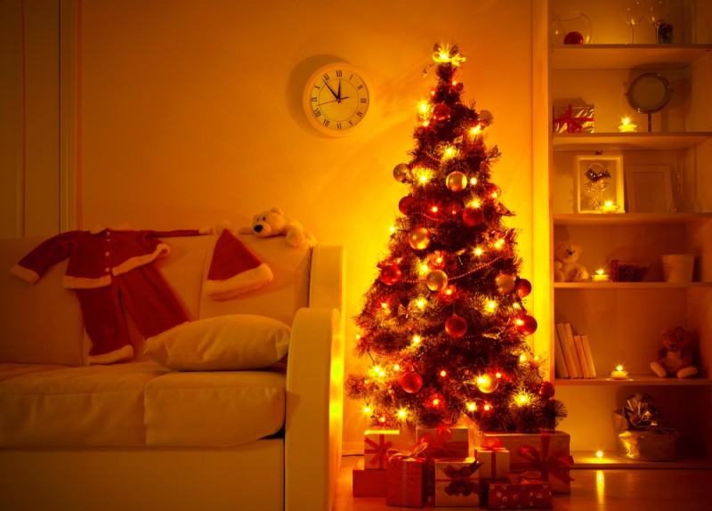 Lighted Christmas Tree With Presents Underneath In Living Room Min  E1439490611458   Christmas Decor For Home