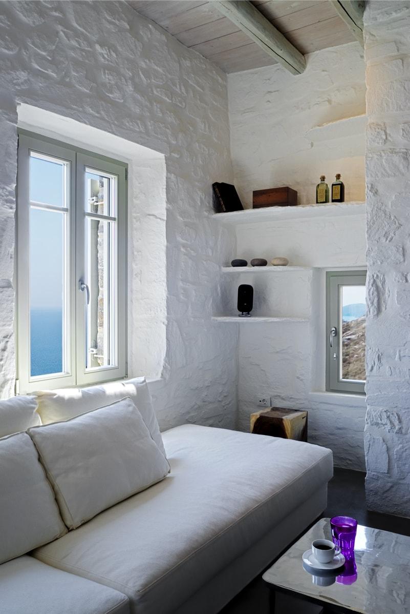 nstef1291 19D interior min - Eagles Nest, Chomatovouni, Serifos Island, Greece by Sinas Architects
