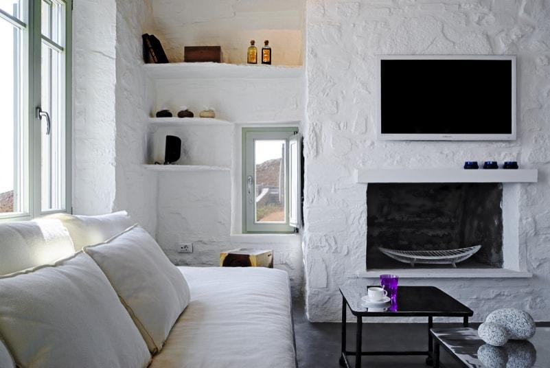 nstef1292 20D interior min - Eagles Nest, Chomatovouni, Serifos Island, Greece by Sinas Architects