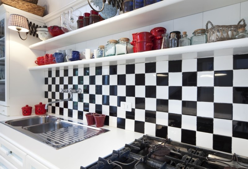 tower luxury residential apartments detail kitchen min e1440195576351 - Striking Kitchen Backsplash Ideas & Pictures