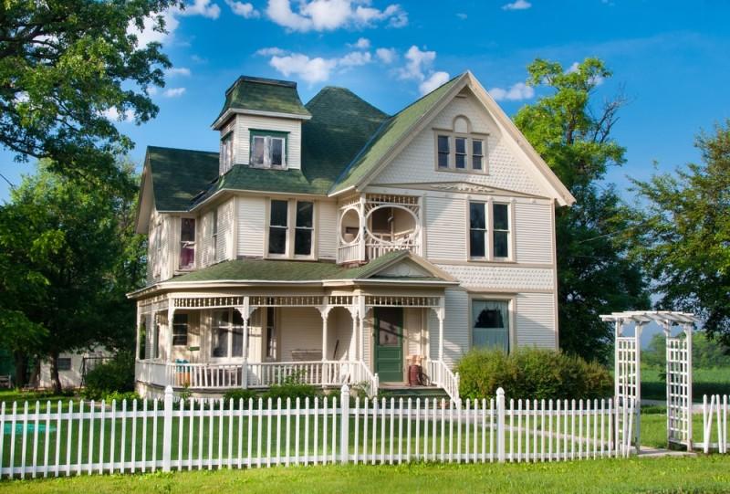 picket fence homes and picket fence designs. Black Bedroom Furniture Sets. Home Design Ideas