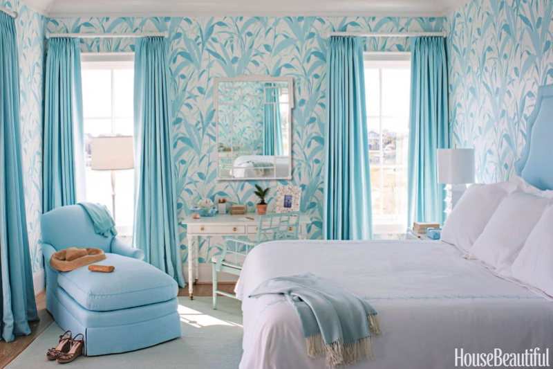 Blue and white interiors for Blue and white bedroom wallpaper