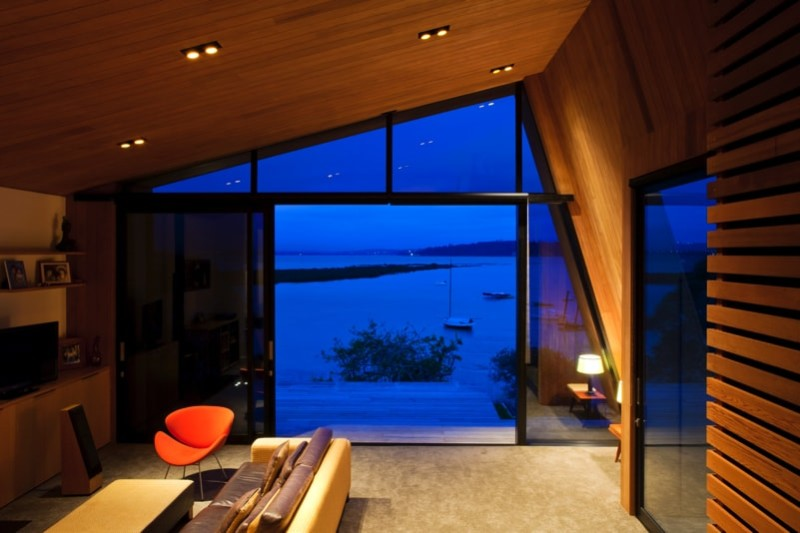 Spectacular harbour view at dusk from living room
