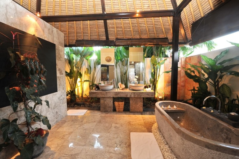 Luxury Room Bathroom In A Tropical Villa Min E1442626341992   31 Beach  Themed Interior Design Ideas