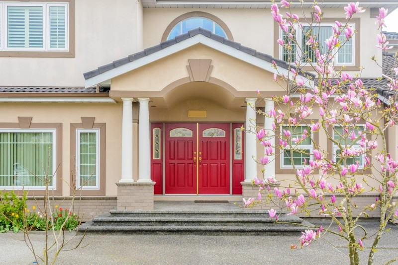 Red doors on houses for Nice doors for house