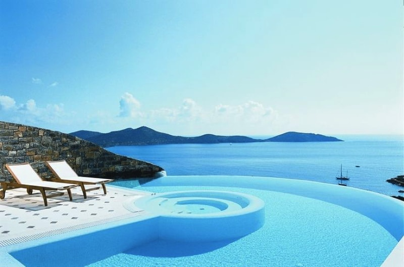 Stunning Infinity Swimming Pool At Luxury Villa In Greece. Source  Buzzfeed.com And Eloundavillas