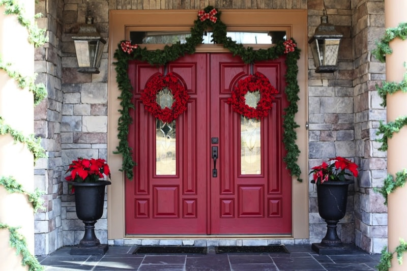 Red doors on houses for Grand entrance doors