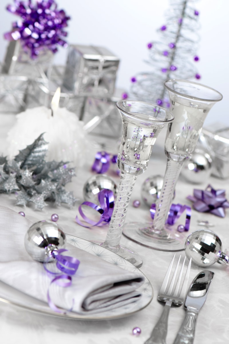 Purple Silver Themed Table S 6251908 Min   Christmas Party Table Decorations  Ideas