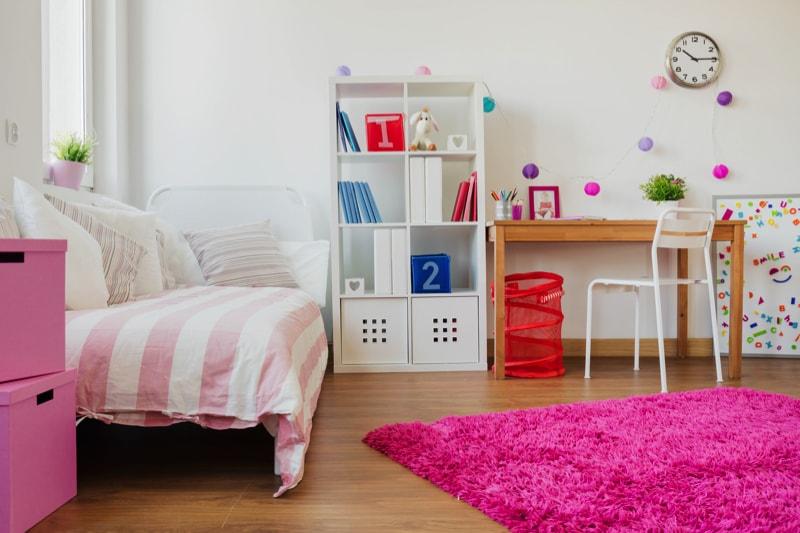 Great kids room design for a schoolgirl