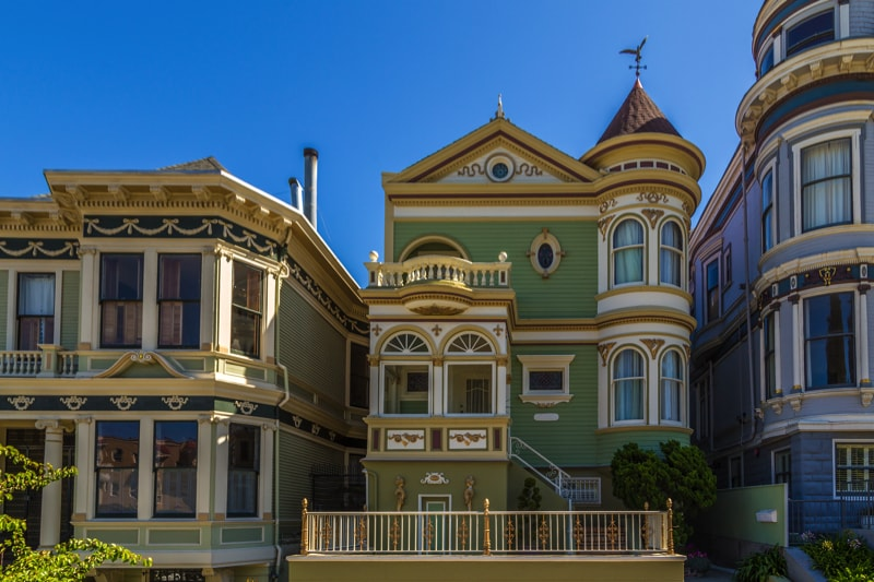 Classic victorian houses in Sa 75550426 min - Exterior House Colors & Themes