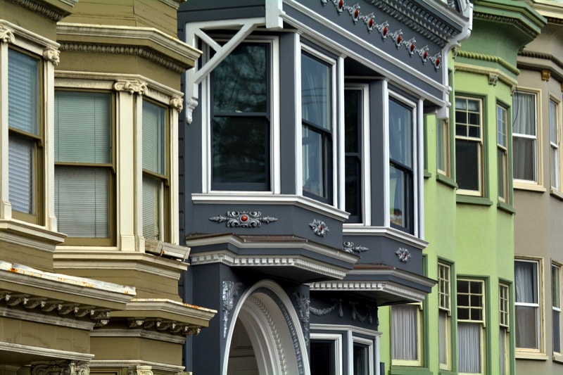 Old Colourful Victorian Houses 96503495 min - Exterior House Colors & Themes