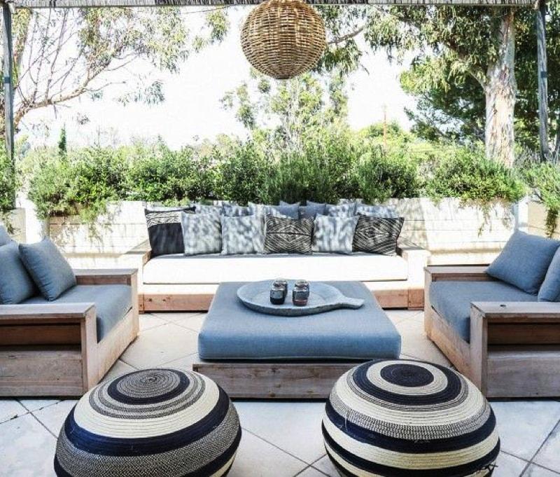 Outdoor lounge furniture Image via on mydomaine.com min - Designer Outdoor Patio Furniture