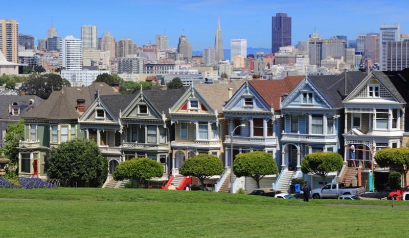 San Francisco Skyline 78548615 min - Exterior House Colors & Themes