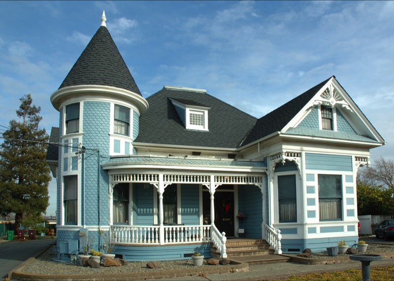 Victorian Home 1269864 min - Exterior House Colors & Themes