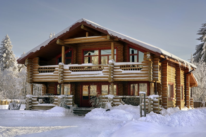 Log cabins and log homes for Large log cabin homes