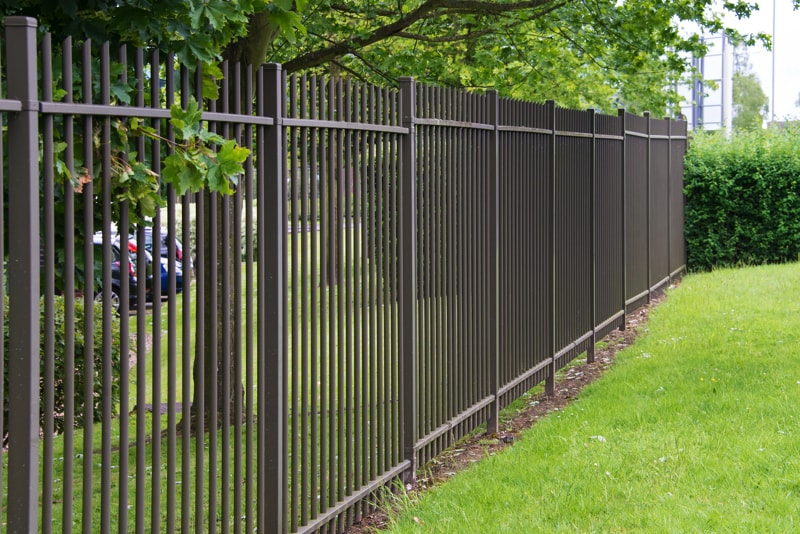 Wrought iron fences for Garden fencing ideas metal