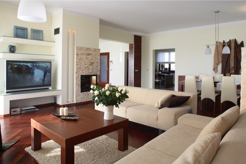Living Rooms with Coffee Tables