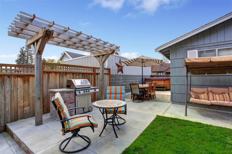 Backyard barbecue areas for Small outdoor patio areas