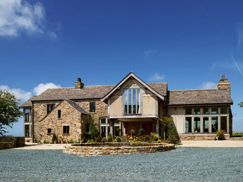 a-stunning-conversion-of-a-derelict-barn-in-lancashire-bullen1-source-www-homebuilding-co-uk