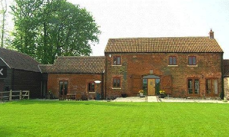 barn-conversion-lincolnshire-uk-source-telegraph-co-uk