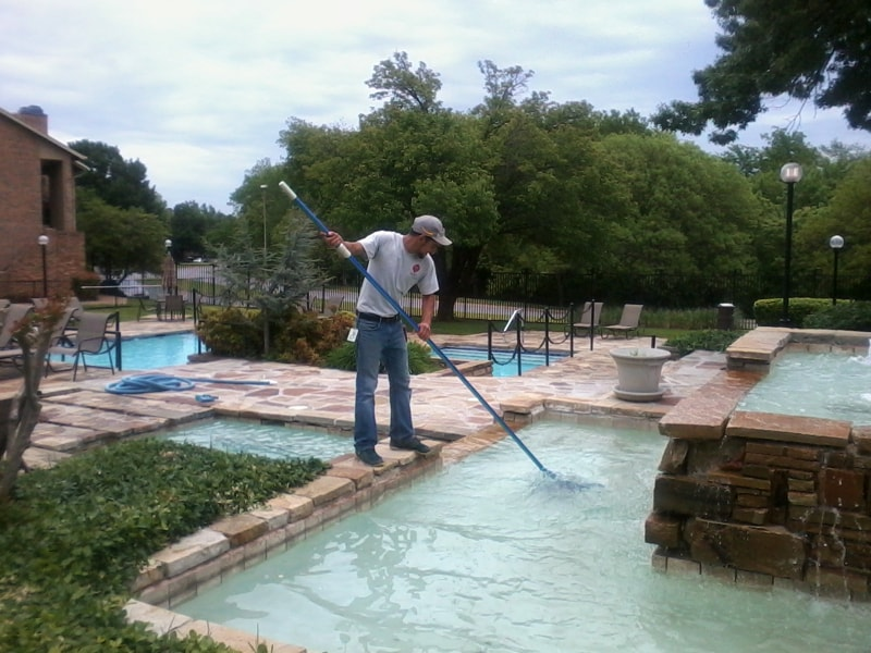 ... constantly (especially families with small kids) will have to skim it  each day. Additionally, you will have to scrub the sides of the pool once a  week.