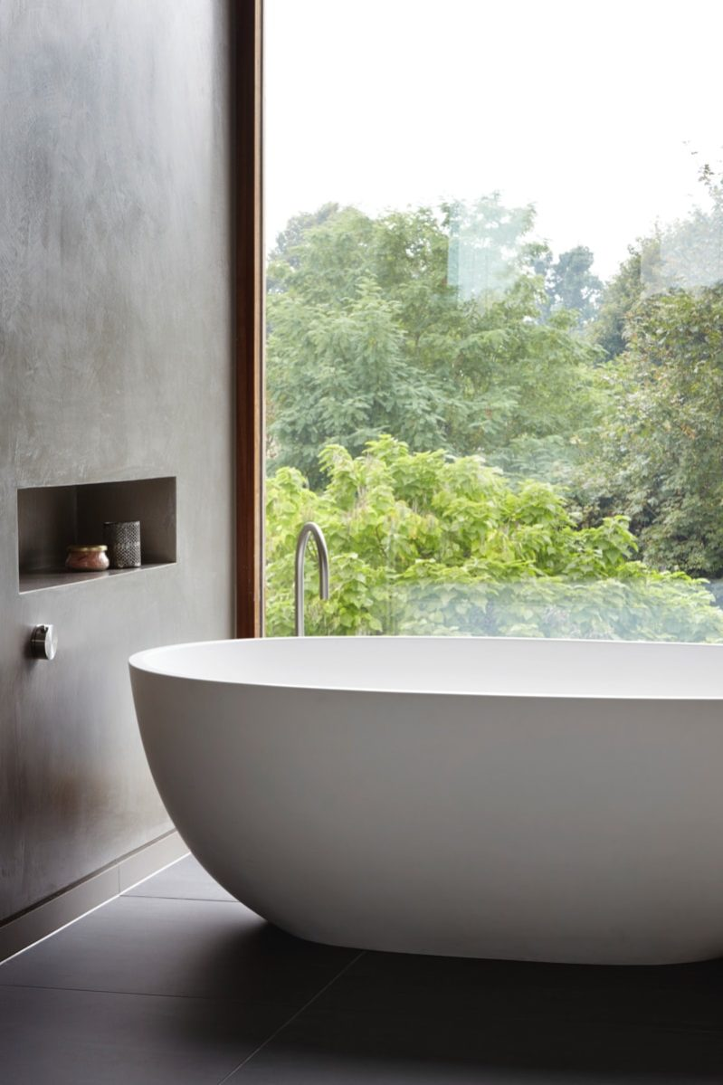Bathroom connection with nature